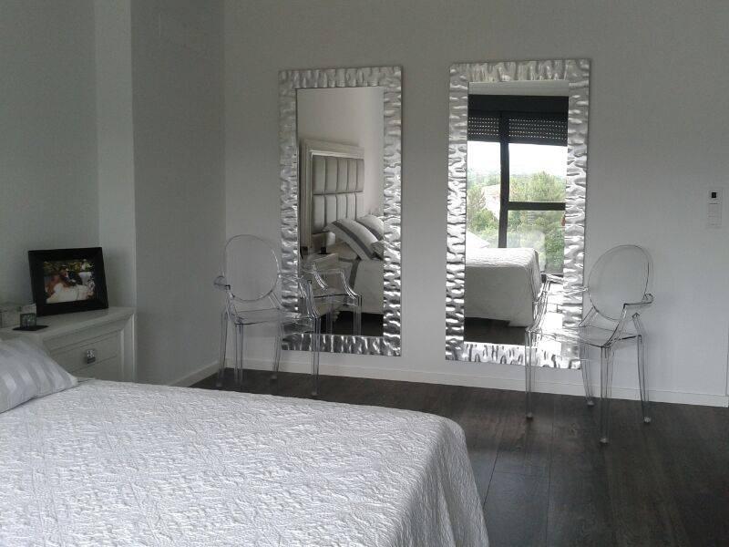 Enmarcar cuadros en madrid precios taller marcos artesania - Espejos con marco plateado ...