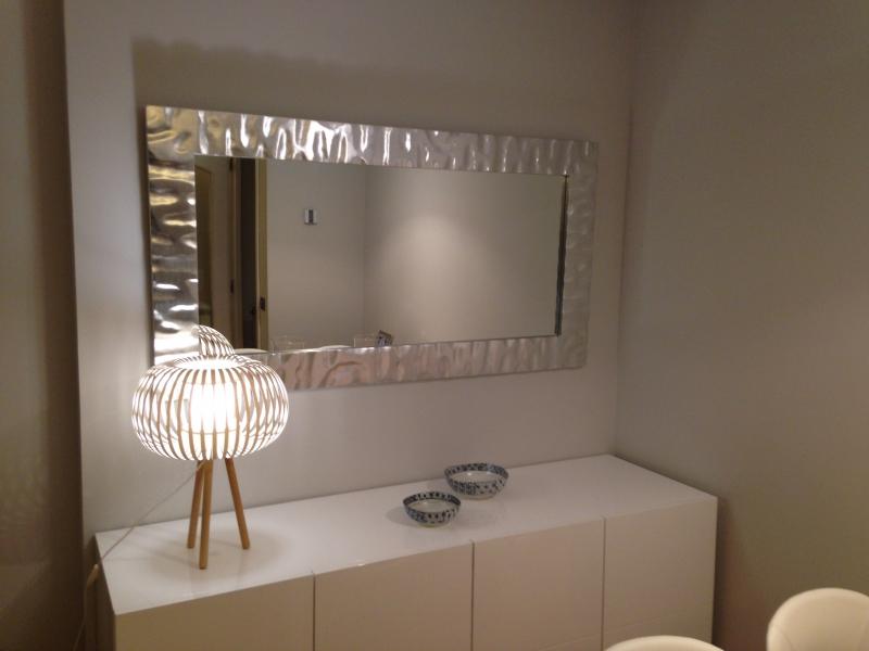 Enmarcar cuadros en madrid precios taller marcos artesania for Precios de espejos grandes para pared
