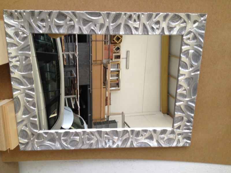 Marcos espejos pan de plata for Espejos decorativos plateados